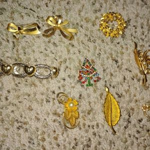 Vintage Pins & brooches